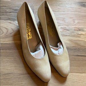 Salvatore Ferragamo Womens heels size 9 AA.